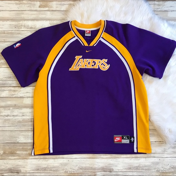 2a6c4fe9b00 ... Lakers Nike Vintage Warm Up Jersey. M 5bd16bc5819e9053223670d6